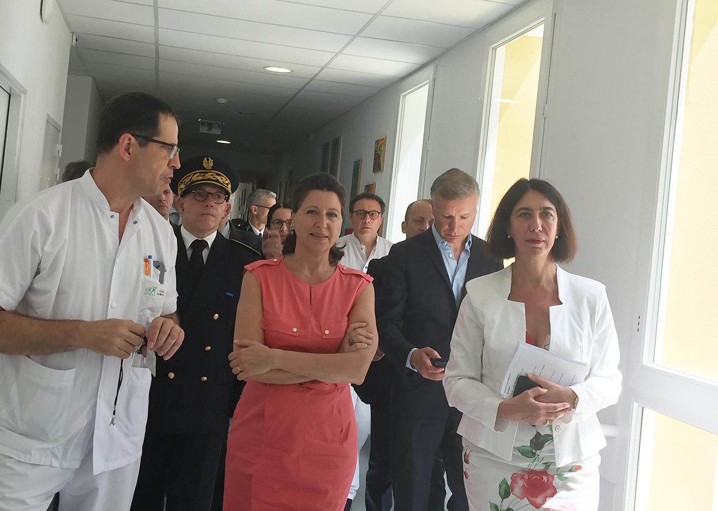 Visite Surprise De Mme La Ministre Des Solidarites Et De La Sante